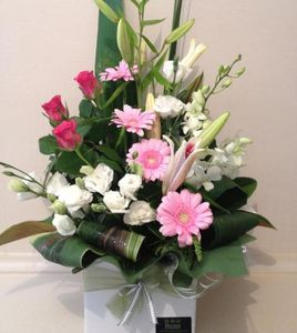 Two tone pink and white fresh flower arrangement